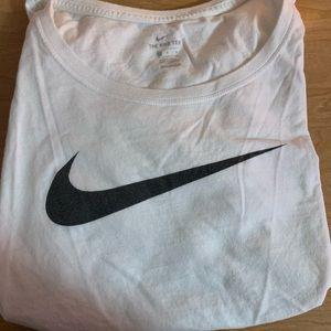 Lightly worn Nike scoop neck T-shirt